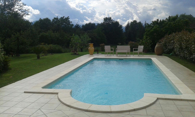 La forma dell acqua progettazione e vendita piscine gallery - Piscina laghetto playa prezzo ...